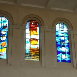 Création de vitraux d'Arcabas