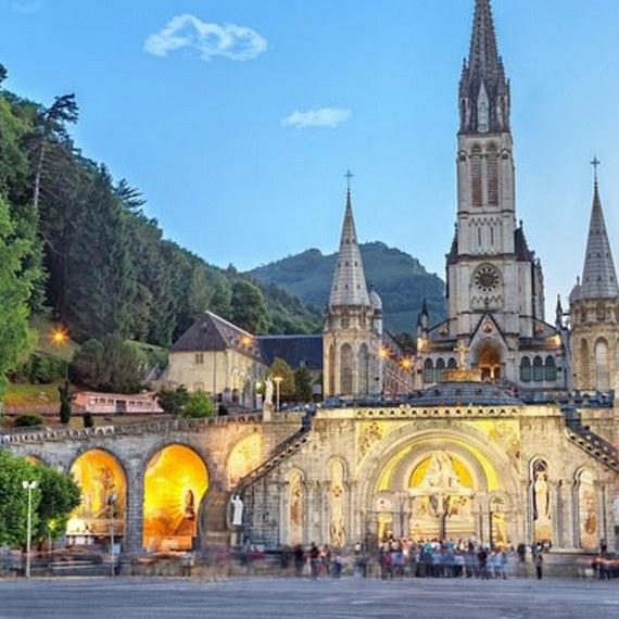 Voyage à Lourdes pour les familles en difficultés