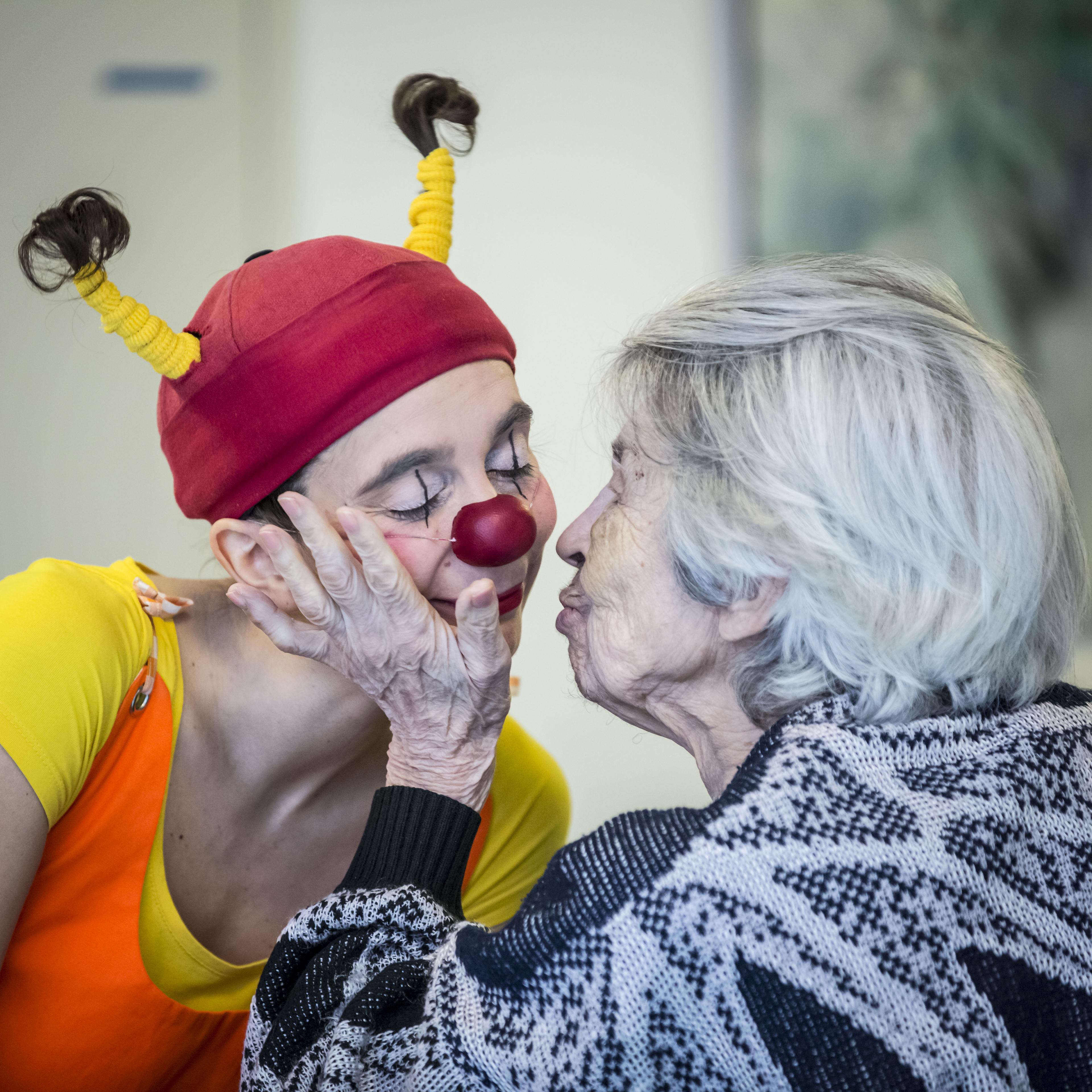 Des clowns dans l'EPHAD Thérèse Couderc